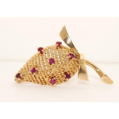 14K Yellow Gold Vintage Strawberry Pin