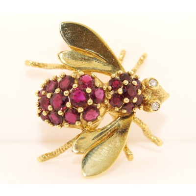 18K Yellow Gold Diamond and Ruby Vintage Bee Pin