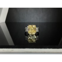 18k Yellow Gold & Platinum Engagement Ring. ST#9218