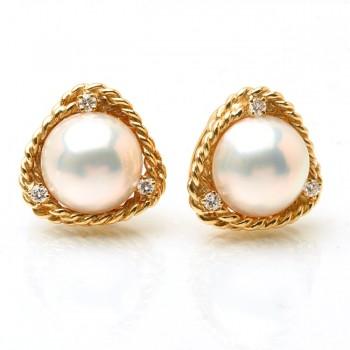 Moby Pearl Earrings