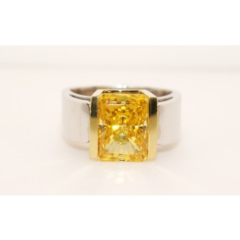 18K two tone Gold Topaz Ring